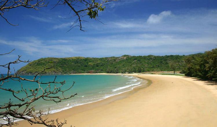 Bãi biển hoang sơ của Côn Đảo. Ảnh: Airmekong.com