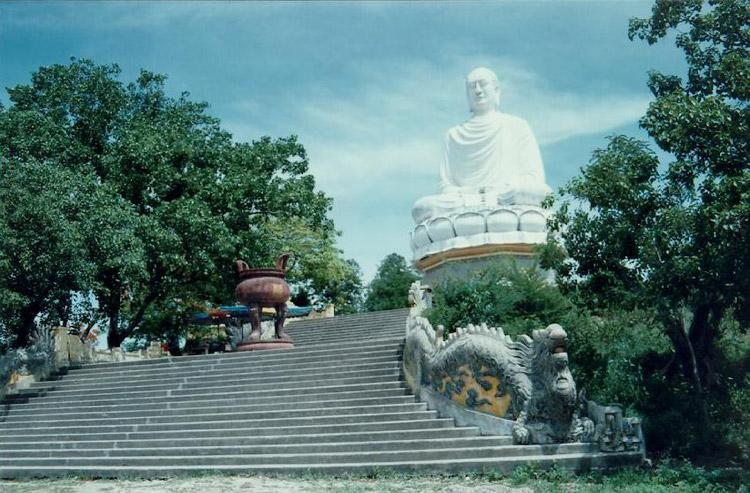 Tượng Thích Ca Phật Đài. Ảnh: banchanviet